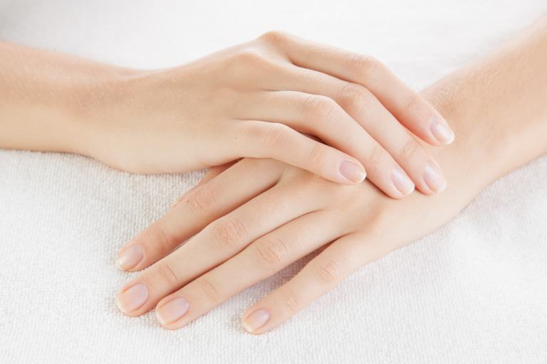 きれいな素爪イメージ