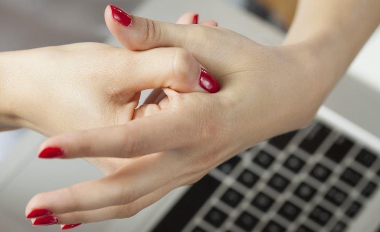 手の血管を消すマッサージ